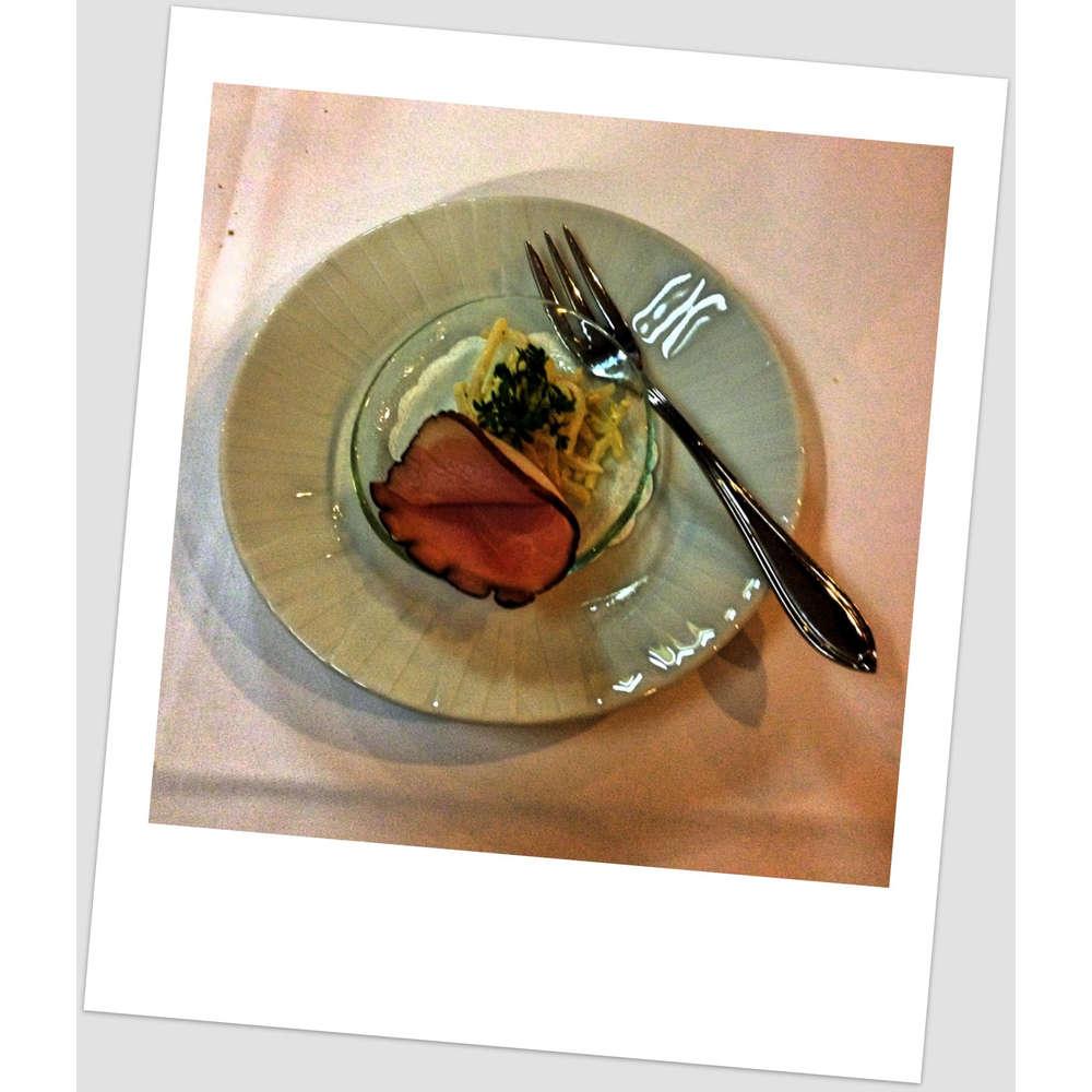 Wacholderschinken auf Selleriesalat