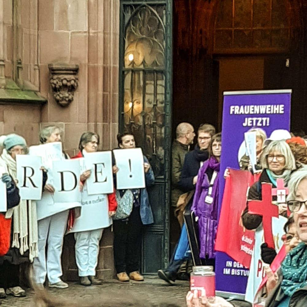 Katholische Frauen - Hoffnung auf Reformen?