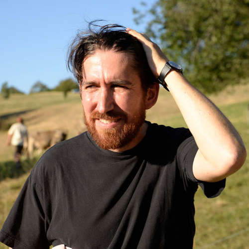 Alain Bellet untersucht die Klänge von Kuhglocken