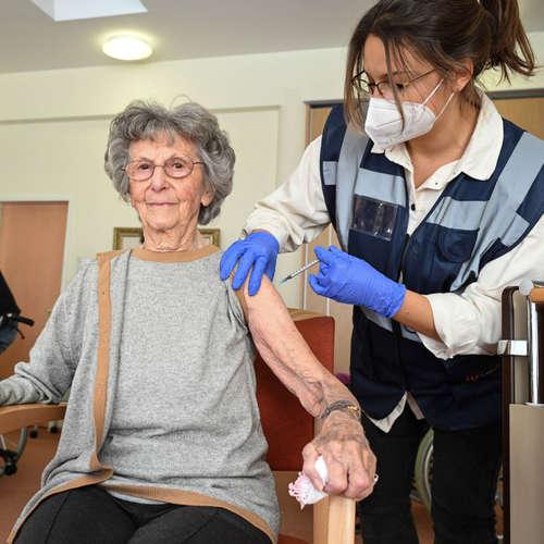 Corona-Impfung im Pflegeheim - wie läuft es?