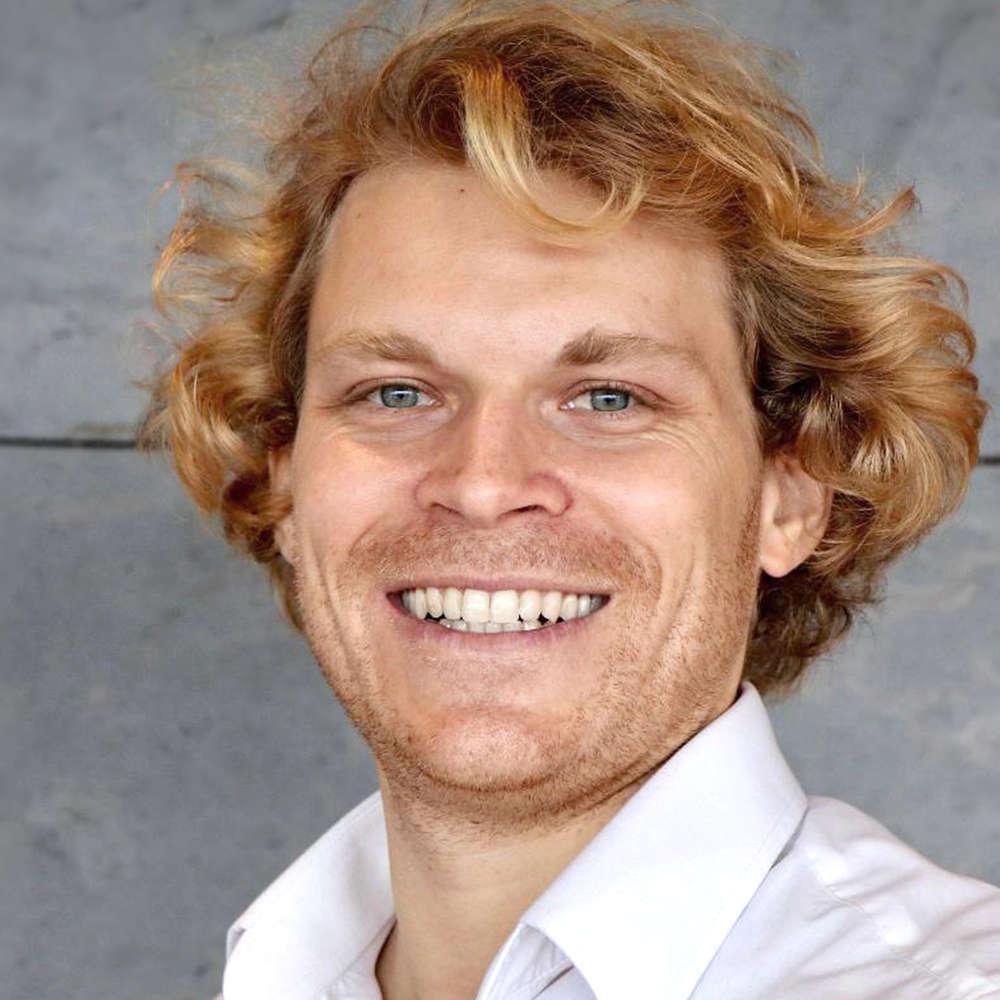 Dr. Julian Hosp (1/2) | Der Hype um Kryptowährungen und wie Du mit einem Token Sale in 7 Minuten 80 Millionen machst!