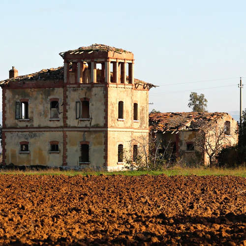 Classics: Dörfer zu verkaufen-Im Wallis 1983 und Italien 2021