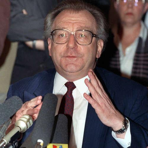 """Lothar Späth tritt nach """"Traumschiff-Affäre"""" zurück   13.1.1991"""