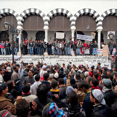 """Der """"Arabische Frühling"""" beginnt in Tunesien mit der Bestattung von Mohamed Bouazizi   7.1.2011"""