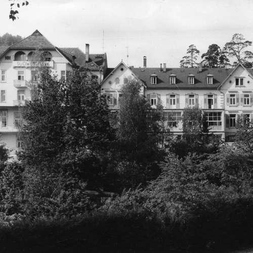 Die ersten SWF-Nachrichten: Ausgangsbeschränkungen und Lebensmittelknappheit   31.3.1946