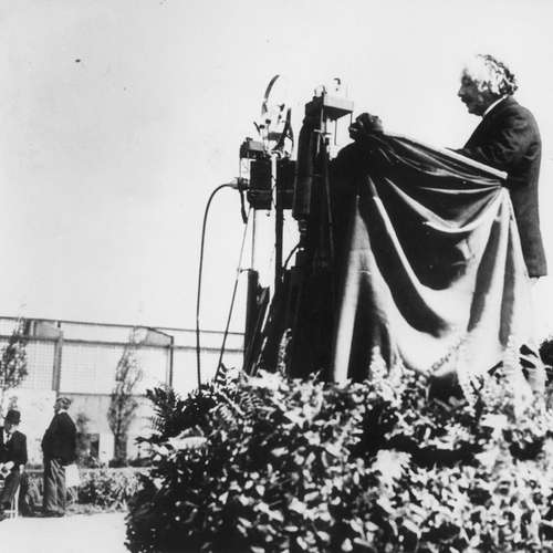 1930: Einstein und Bredow auf der Funkausstellung