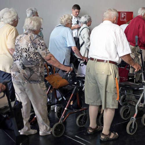 Austragler, Greise und Senioren - Das Älterwerden, das Alter und die Alten