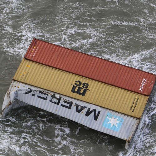 Havarie in der Nordsee - Experten bergen erste Container