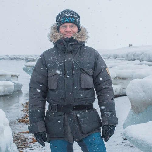 Leitete die größte Arktis-Expedition aller Zeiten und lebte/arbeitete ein Jahr unter extremsten Bedingungen