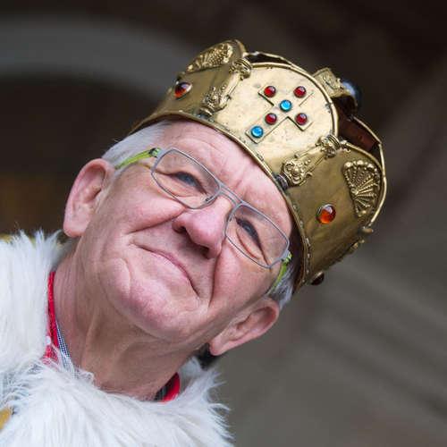 """""""Dem fällt kein Zacken aus der Krone""""? – Woher kommt diese Redensart?"""