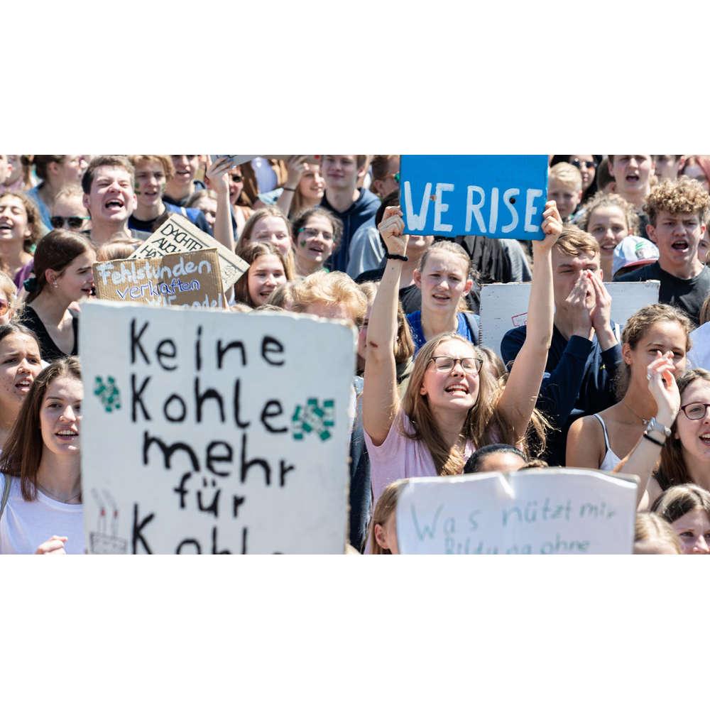 Wenn YouTube rebellisch wird - Was bewirkt der Jugendprotest? | Forum