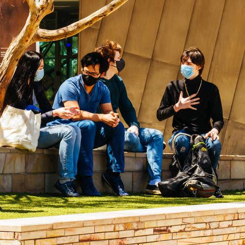 Studie: Mehrheit der Jugendlichen zeigt sich in der Pandemie solidarisch