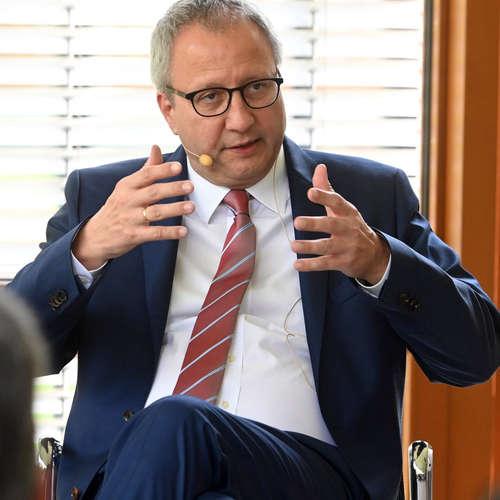 """Andreas Voßkuhle: """"Wir erleben eine Krise der Demokratie und des Rechtsstaats in Europa"""","""