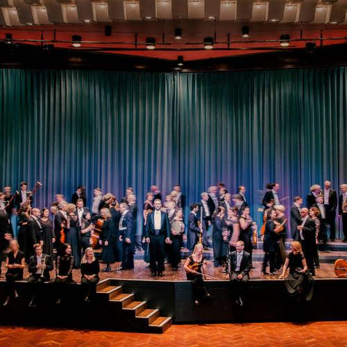 """Die Deutsche Staatsphilharmonie Rheinland-Pfalz spielt Felix Mendelssohn Bartholdy: Ouvertüre für Orchester op. 21 aus  """"Ein Sommernachtstraum"""""""