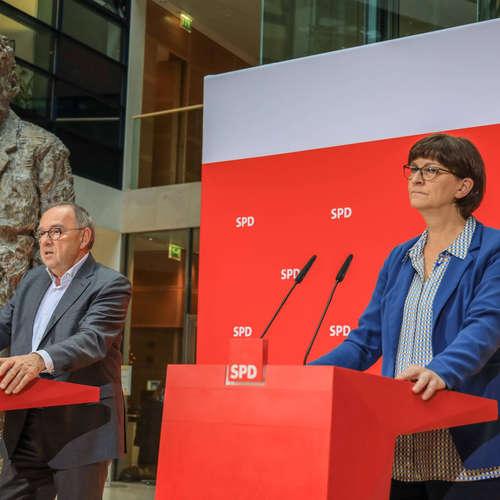 """Ein Jahr """"Doppelspitze"""" bei der SPD: Partei in stabiler Seitenlage"""