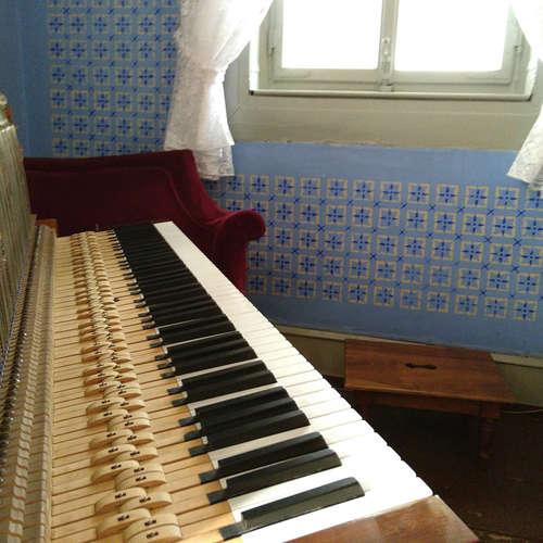 Brahmshaus Baden-Baden bekommt ein neues Pianino