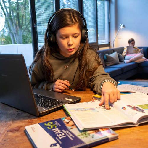 Schule und Corona | Expertin Heike Schmoll gibt dem Bildungssystem schlechte Noten