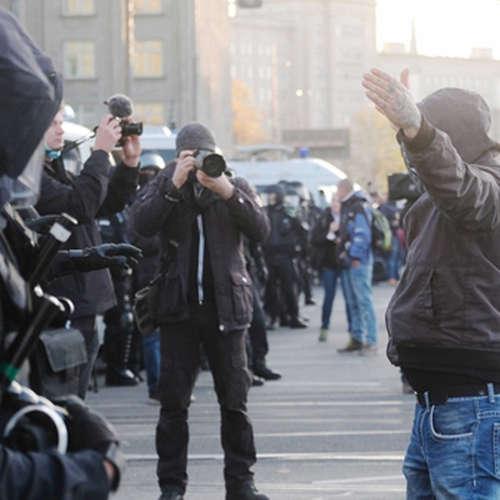 Eingeschränkte Pressefreiheit auf Demos und Hilfe von Dr. Google